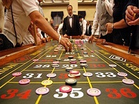 How to Become a Higher Roller at Online Casinos